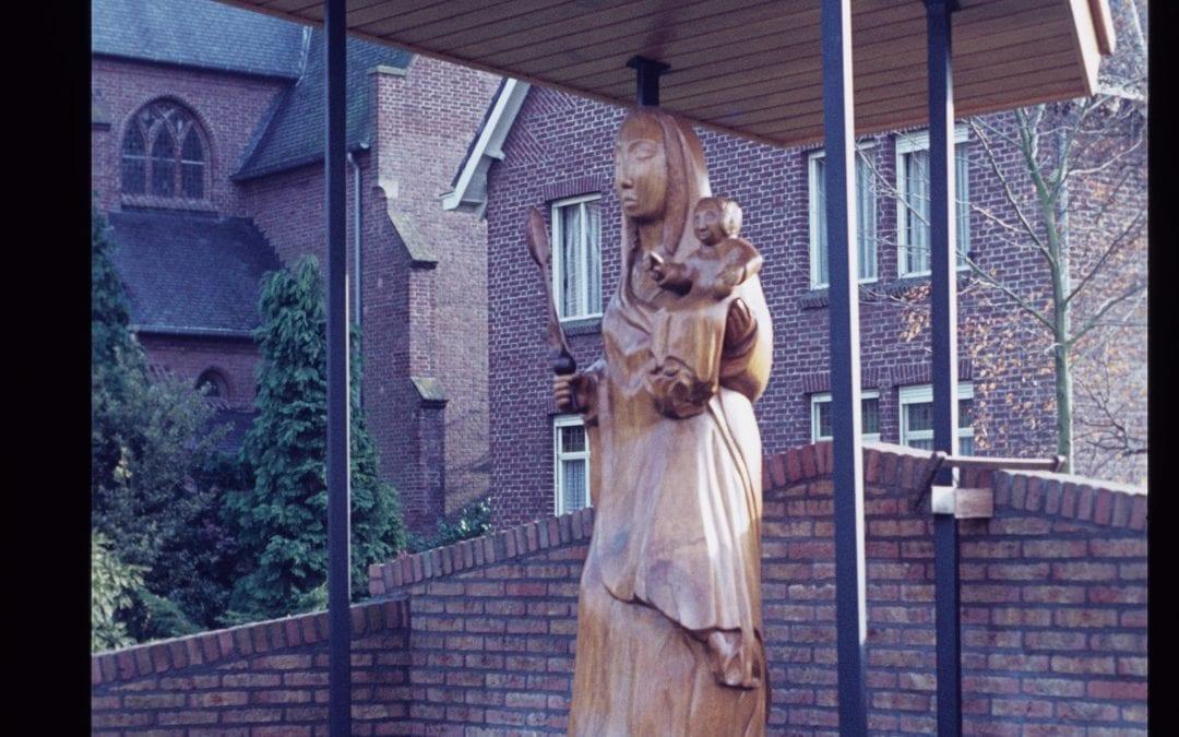 55 Mariabeeld  (voorheen in Oostrum)