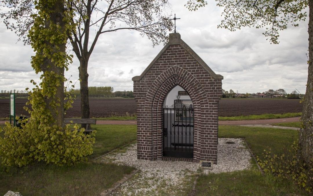 58 St.-Martinus-en Barbarakapel, OverloonsewegSpurkt, Venray