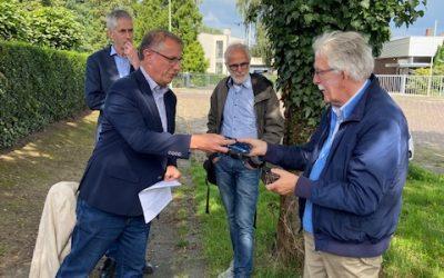 Koos neemt afscheid van Limburgse Stichting Kruisen en Kapellen